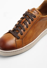 Magnanni - Trainers - tabaco - 5