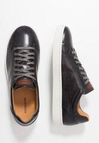 Magnanni - STOCK - Sneakersy niskie - gris/conac - 1