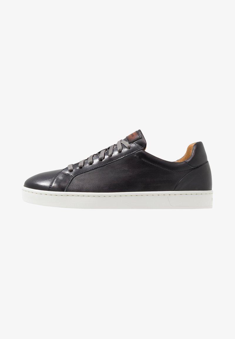 Magnanni - STOCK - Sneakersy niskie - gris/conac