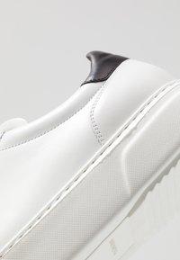 Magnanni - Baskets basses - blanco - 5