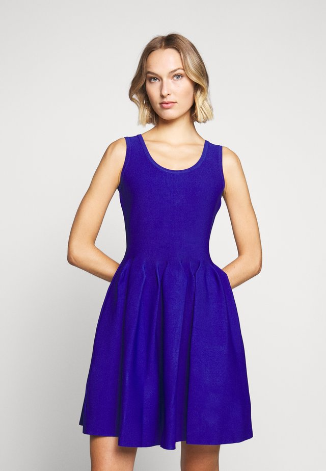 ENGINEERED PLEATS DRESS - Cocktail dress / Party dress - sapphire