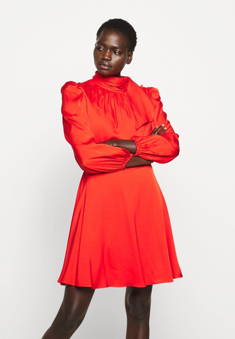 Milly - STRETCH ADELE DRESS - Cocktailklänning - red
