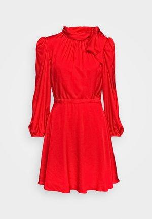 STRETCH ADELE DRESS - Cocktailkjole - red