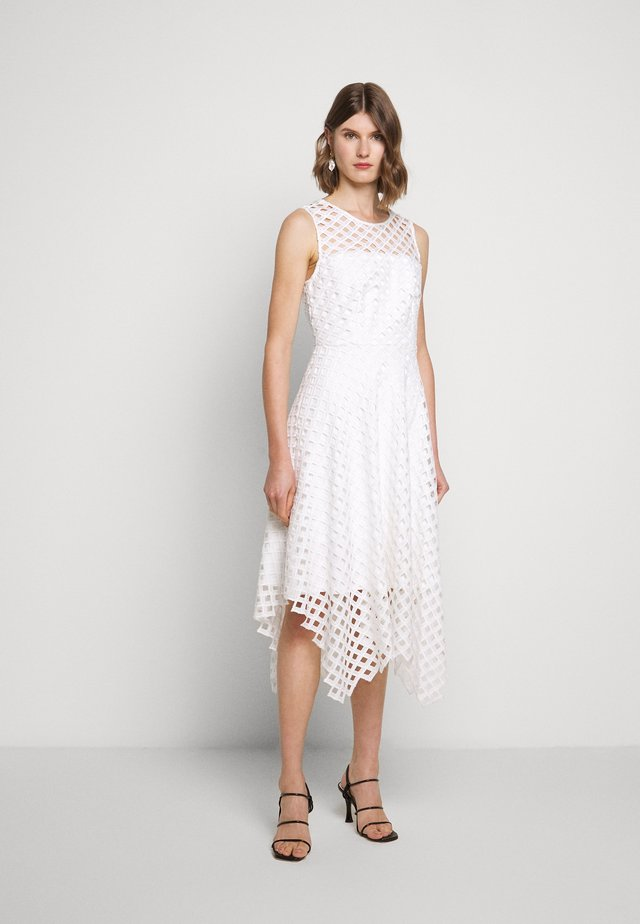 LATTICE EMBROIDERY ANNEMARIE DRESS - Cocktailklänning - white