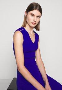 Milly - PEEK A BOO SHOULDER DRESS - Jerseyklänning - cobalt - 3