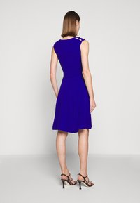 Milly - PEEK A BOO SHOULDER DRESS - Jerseyklänning - cobalt - 2