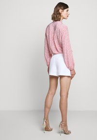 Milly - CADY ARIA BUTTON - Shorts - white - 2