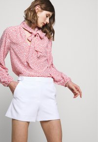 Milly - CADY ARIA BUTTON - Shorts - white - 3