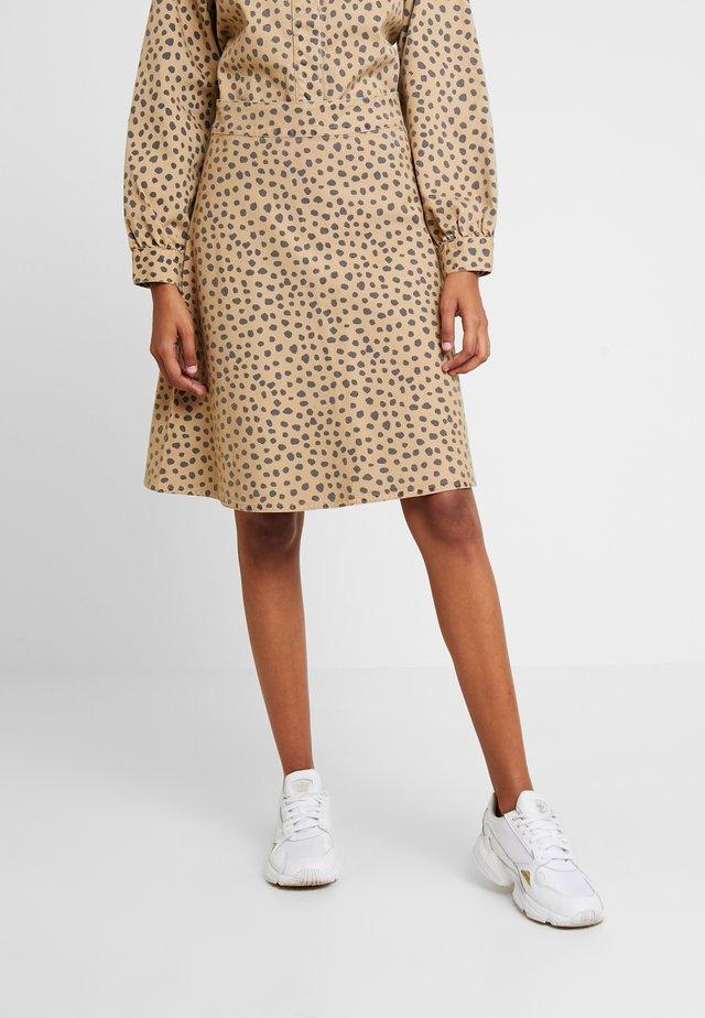 FRESH PRINT STELLY - Áčková sukně - beige/navy