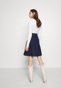 Mads Nørgaard - COMFI STELISSA BOX - A-line skirt - bluse rinse - 2