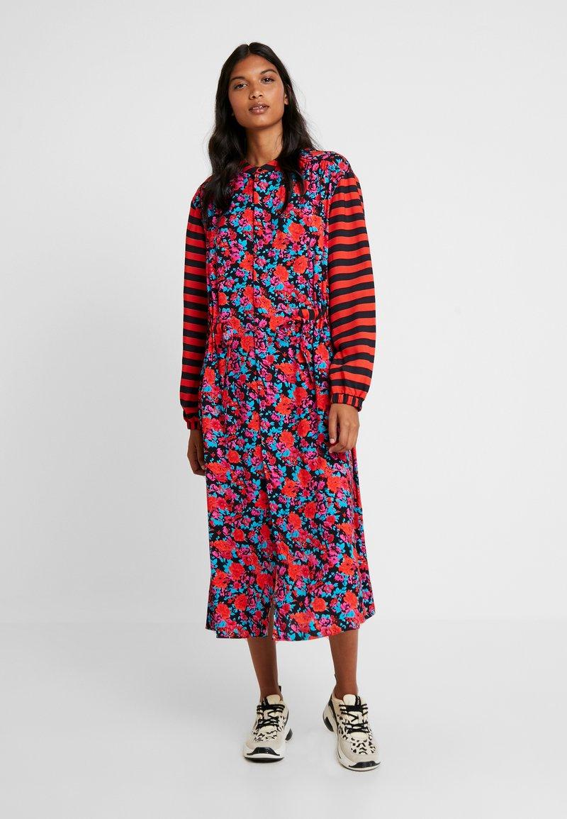 Mads Nørgaard - SUPER FLOWER SACHA - Shirt dress - multi red