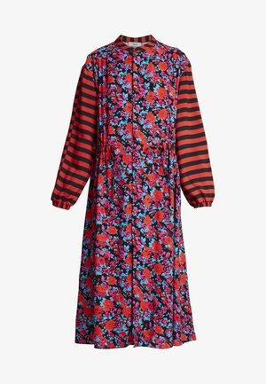 SUPER FLOWER SACHA - Shirt dress - multi red