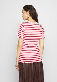 Mads Nørgaard - STRIPY TUBA FRILL - Print T-shirt - red/multi - 2