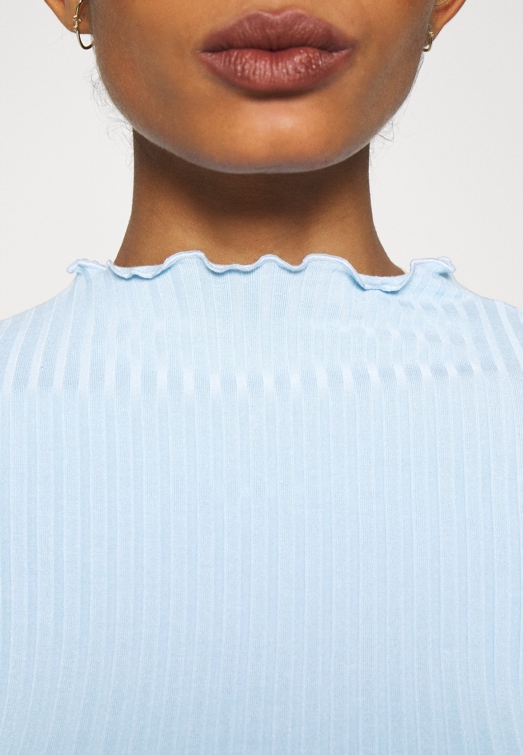 Mads Nørgaard TRUTTE - Langærmede T-shirts - light blue