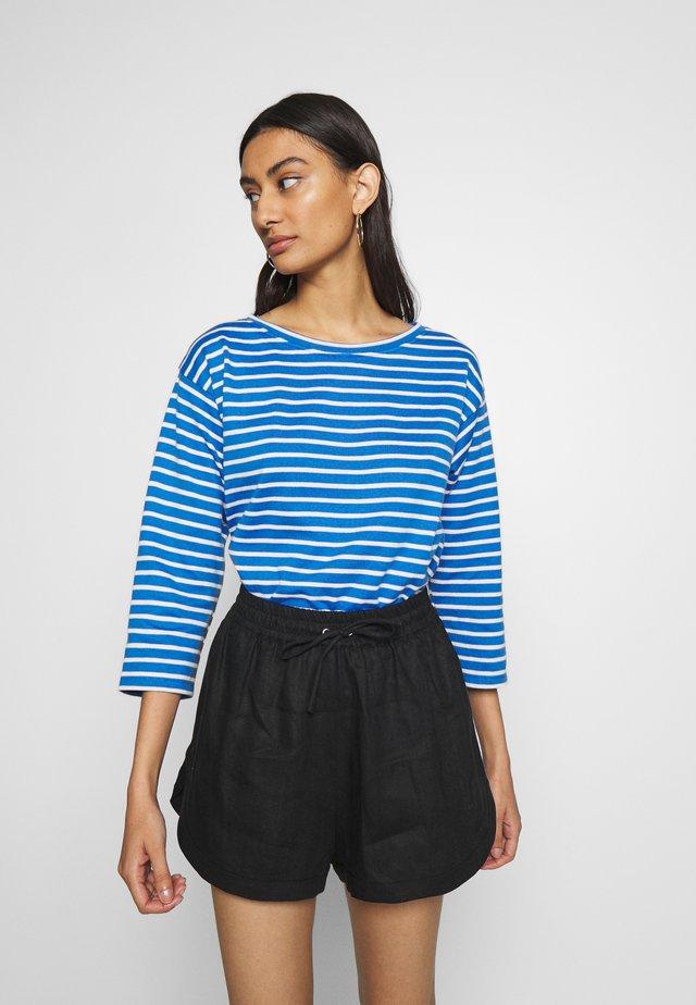 THILKE - Stickad tröja - blue/ecru