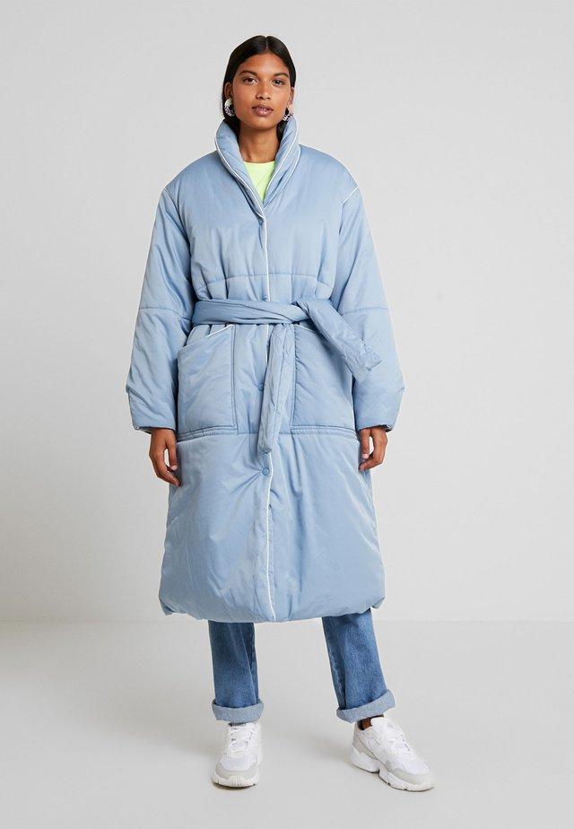 DUVET DREAM CASHINA - Zimní kabát - cloudy blue