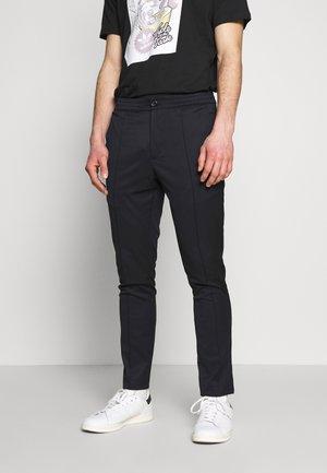 TRACK PIO - Pantalon classique - sky captin