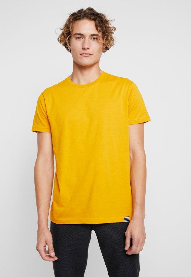 FAVORITE THOR - T-shirt basic - golden yellow