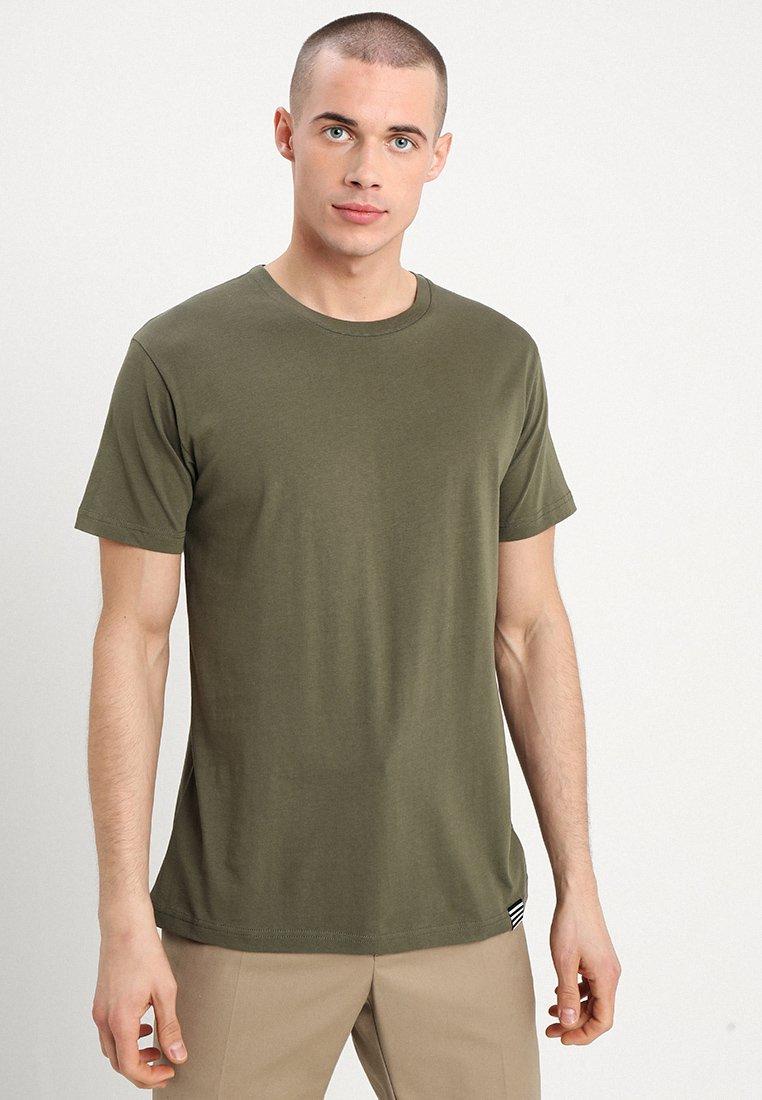Mads Nørgaard - THOR - Basic T-shirt - army