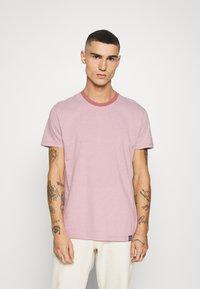 Mads Nørgaard - FAVORITE MINI THOR - T-shirt z nadrukiem - light pink - 0
