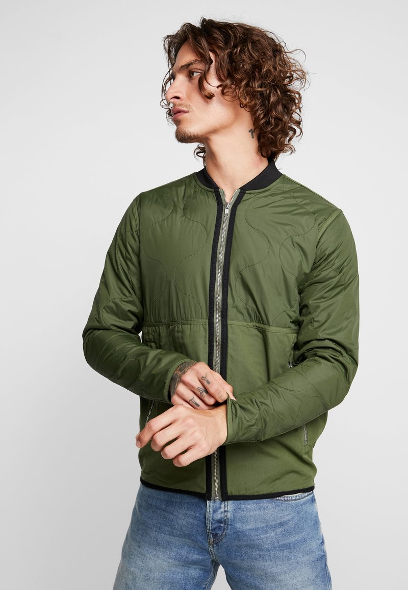 Mads Nørgaard - JAMAN - Light jacket - rifle green