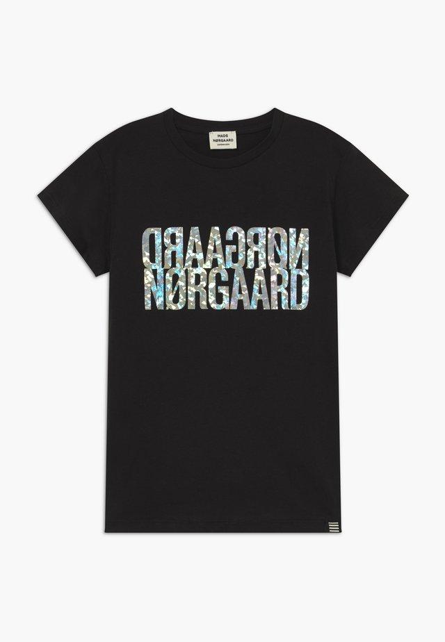 TUVINA PRINT - T-shirt med print - licorice