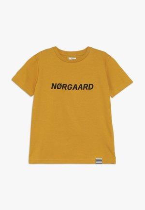 PRINTED TEE THORLINO - T-shirts print - golden yellow
