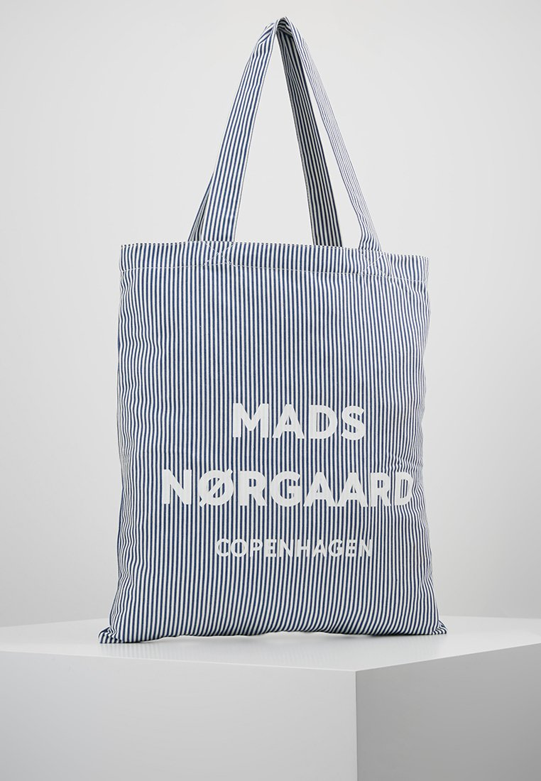 Mads Nørgaard - ATOMA - Shopping Bag - white/blue