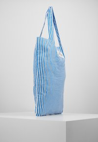 Mads Nørgaard - ATOMA - Shopping bags - blue/white - 3
