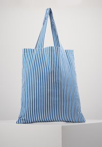 Mads Nørgaard - ATOMA - Shopping Bag - blue/white - 3