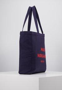 Mads Nørgaard - BOUTIQUE ATHENE - Shoppingveske - navy/red - 3