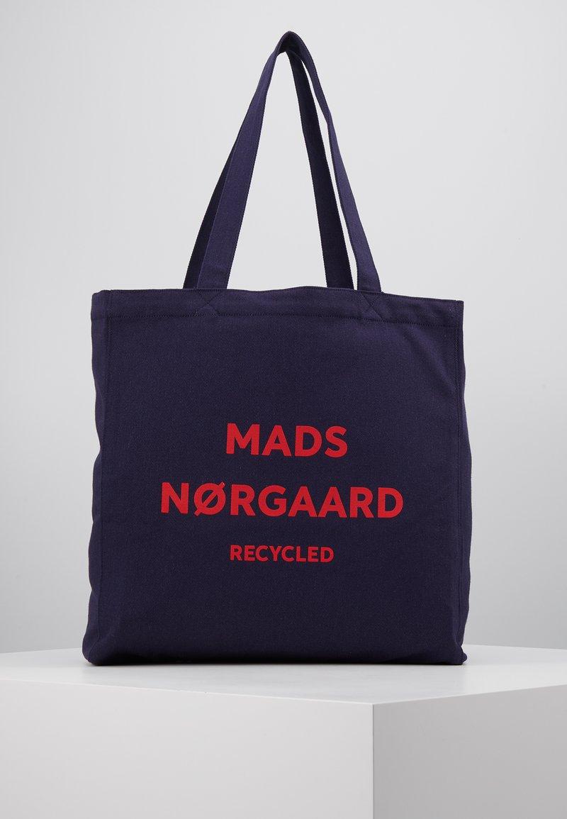Mads Nørgaard - BOUTIQUE ATHENE - Shoppingveske - navy/red
