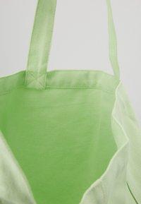 Mads Nørgaard - BOUTIQUE ATHENE - Tote bag - pastel green/white - 4