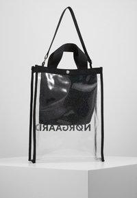 Mads Nørgaard - TÖTE BAG - Bolso shopping - silver - 2