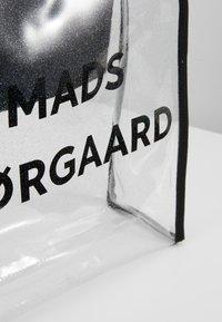 Mads Nørgaard - TÖTE BAG - Velká kabelka - silver - 6