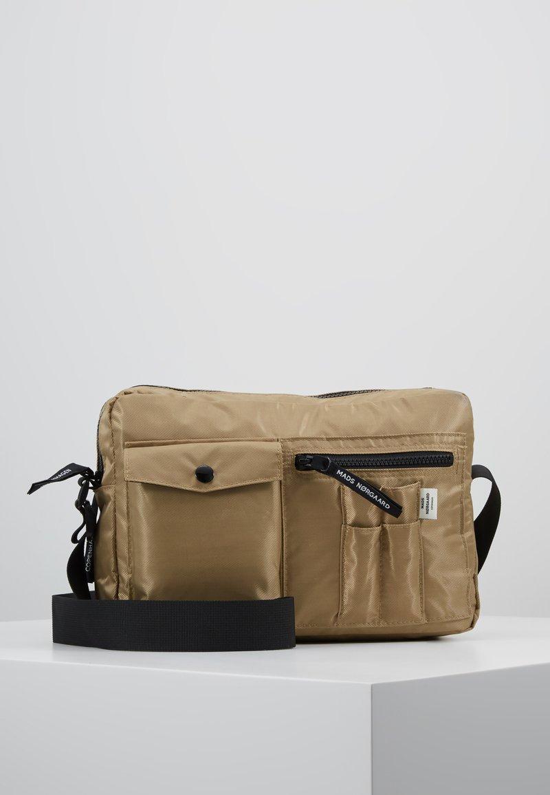 Mads Nørgaard - BEL AIR CAPPA - Across body bag - dark beige