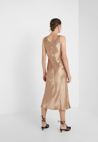 Max Mara Leisure - TALETE - Cocktail dress / Party dress - kamel - 2