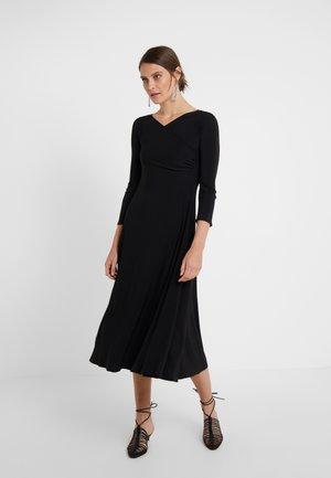 SKIPPER - Robe en jersey - schwarz