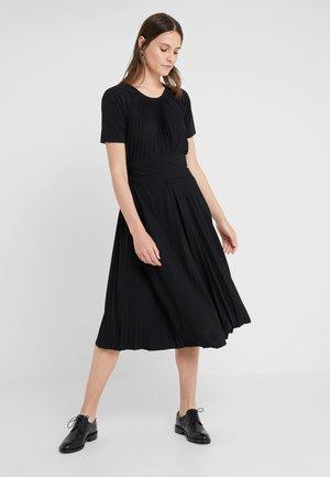 COMUNE - Robe en jersey - schwarz