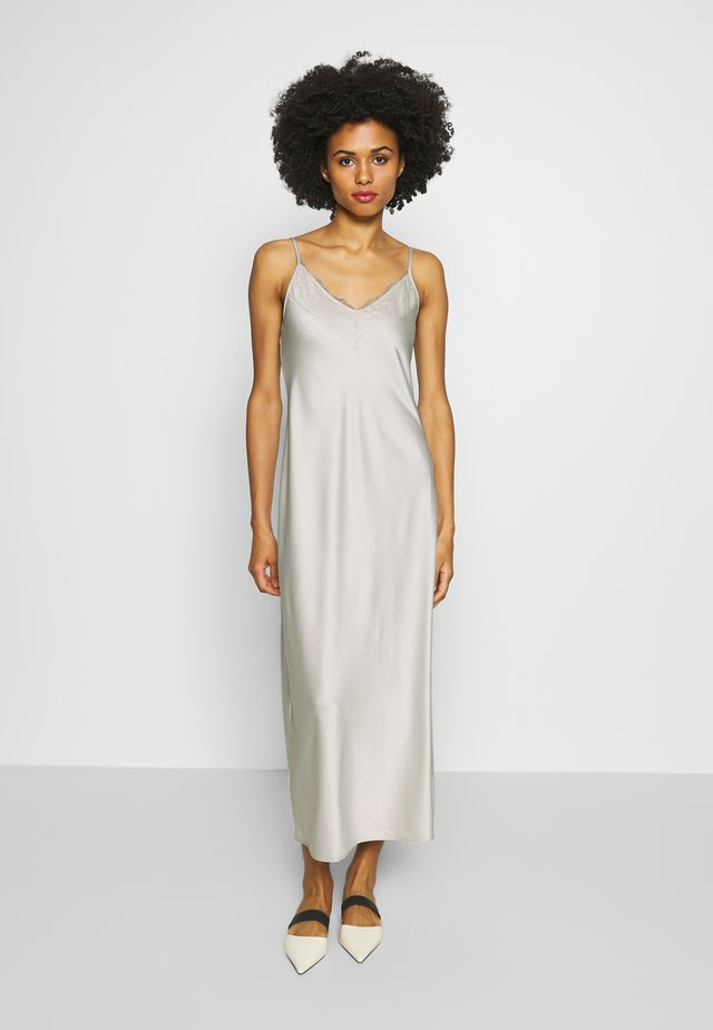VERA - Maxi šaty - perlgrau