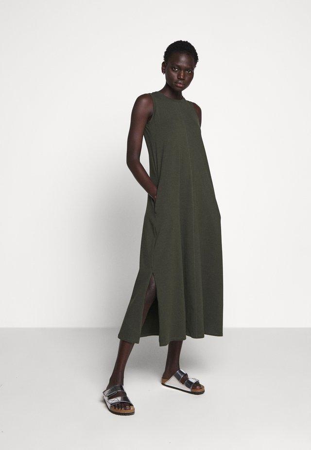 GAETANA - Žerzejové šaty - khaki