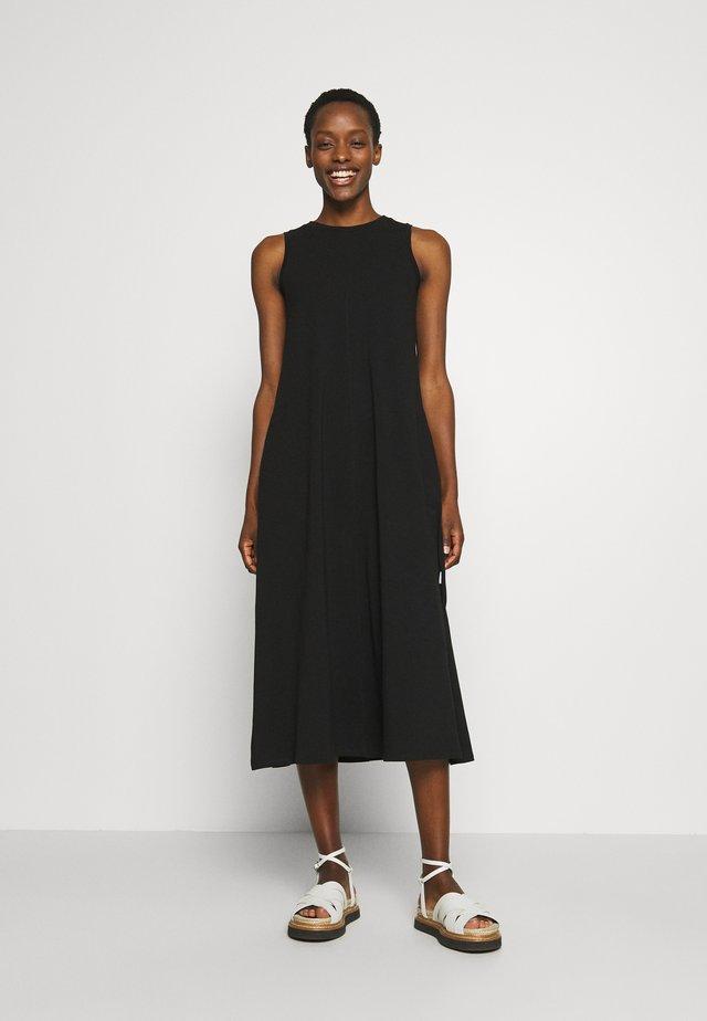 GAETANA - Žerzejové šaty - schwarz