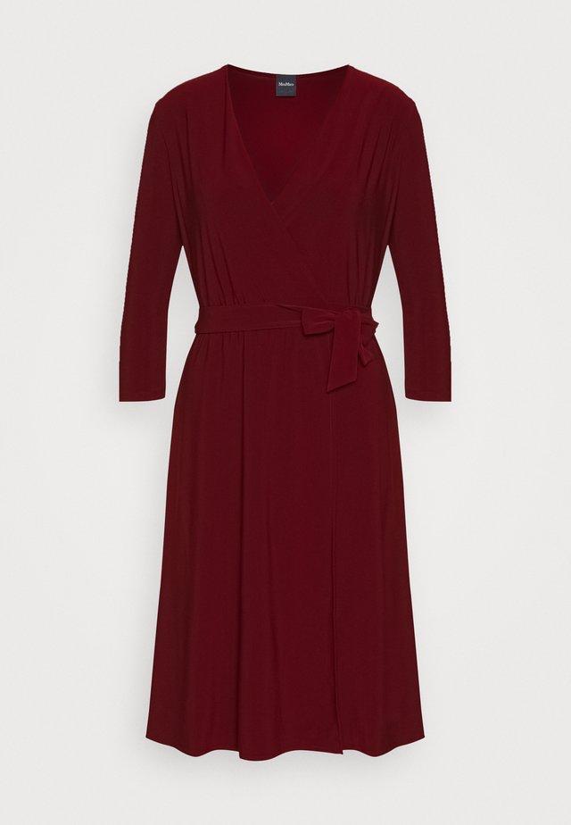 DIDA - Jersey dress - ziegelrot rot