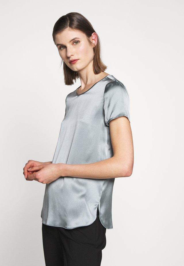 CORTONA - Bluse - himmelblau