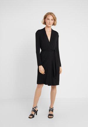 FILLY - Robe en jersey - schwarz