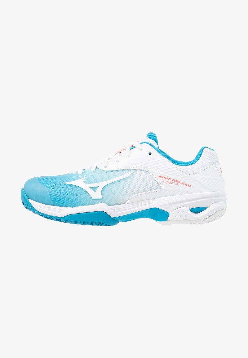 Mizuno - WAVE EXCEED TOUR 3 CC - Chaussures de tennis pour terre-battueerre battue - blue jewel/white/fiery coral