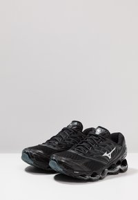 Mizuno - WAVE PROPHECY 8 - Chaussures de running neutres - black/silver/stormy weather - 2