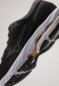 Mizuno - WAVE STREAM - Neutrale løbesko - black/monument/dark shadow - 5