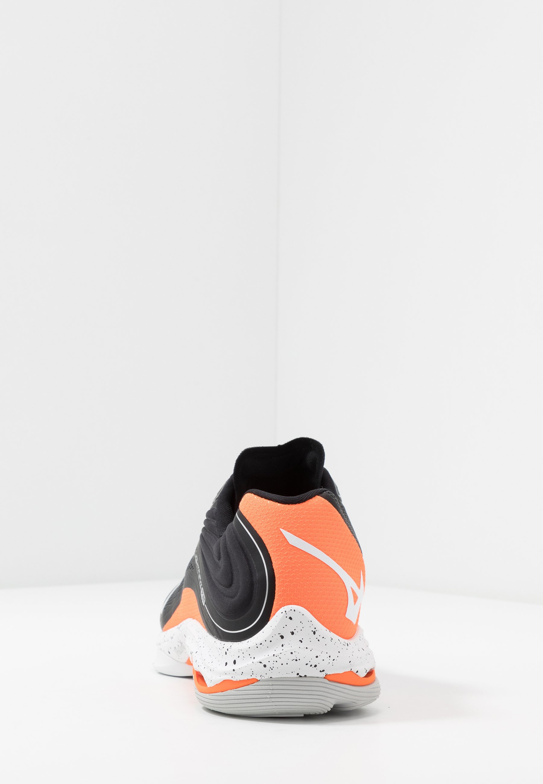 Mizuno WAVE LIGHTNING Z6 - Indoorskor - black/white/orange clown fish