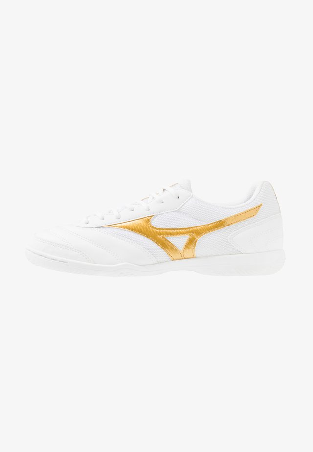 MRL SALA CLUB IN - Indoor football boots - white/gold